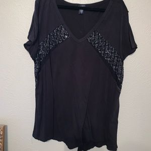 Torrid top size 4 (plus 26) with lace panels